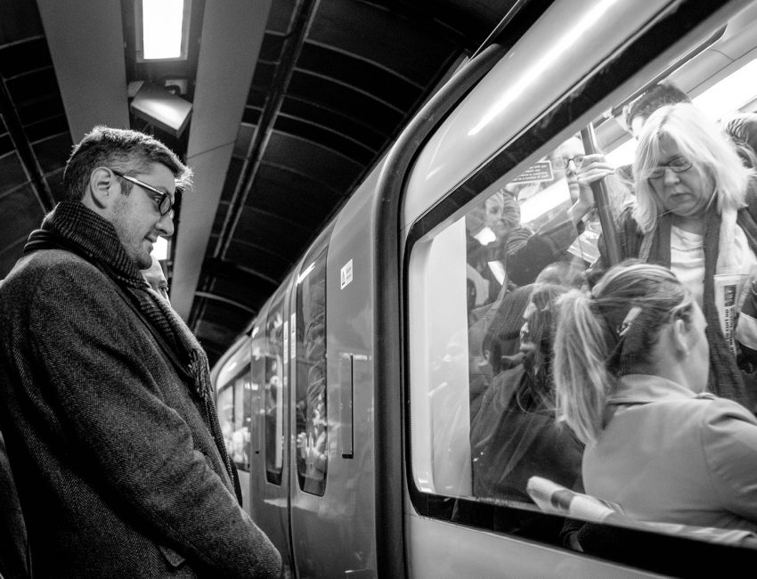 24-hours-on-the-london-underground-night-tube-street-photography-tarikahmet-waiting-for-train