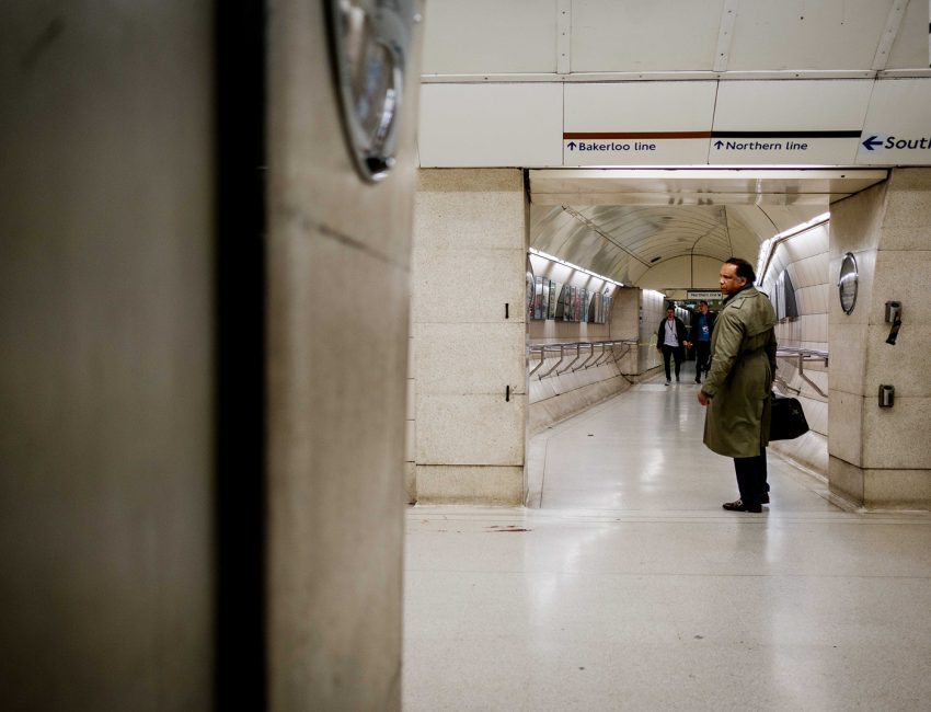 24-hours-on-the-london-underground-night-tube-street-photography-tarikahmet-4211